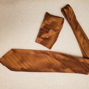 Bronze Neck tie with pocket square